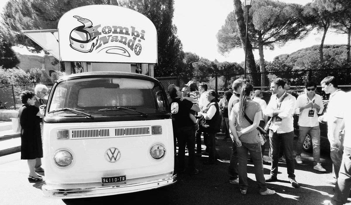 _catering-street-food-truck-kombinando